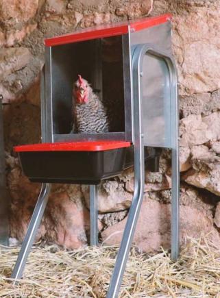 Nido per galline 1 scomparto e sostegni PLATIN