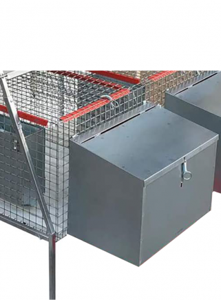 External cage nest with hole