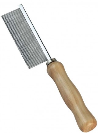 Comb with narrow teeth and wooden handle
