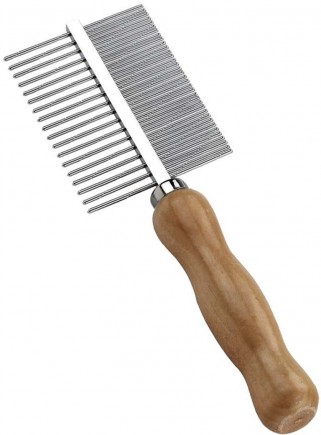 Comb with narrow teeth and wide wooden handle